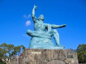 長崎の平和祈念像を制作した彫刻家・北村西望氏の生涯の師とは